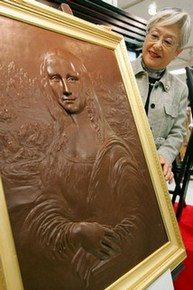 Mona Lisa piece made of chocolate is displayed in Tokyo